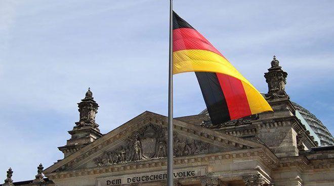Almanya`da hizmet PMI 23 yılın en düşüğünde
