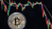 Bitcoin 11 bin dolar sınırında