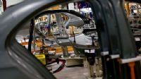 İngiltere'de nisanda 197 otomobil üretildi