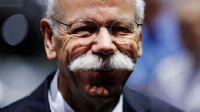 Daimler CEO`su emekli oldu, hisseler düştü