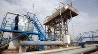 Irak`ın petrol gelirleri yarıya düştü
