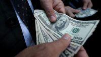 Amerikalıların kişisel geliri azalırken harcamaları arttı