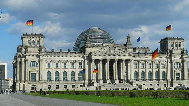 Almanya`da otomotiv sektöründeki sıkıntı büyümeyi düşürecek