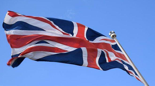 İngiltere'de hizmet sektörü daraldı