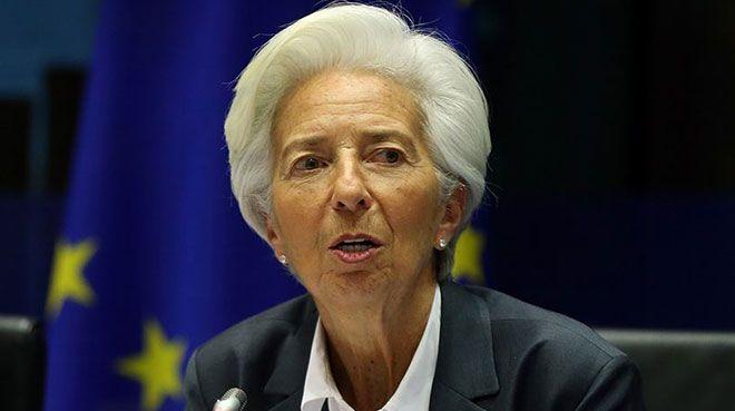 Lagarde: Euro Bölgesi ekonomisi küçülecek