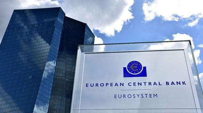 `Euro Bölgesi ekonomisi `biraz` büyüyecek`