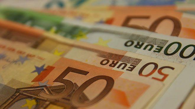 Euro Bölgesi bankaları ECB`den aldıkları krediyi azalttılar
