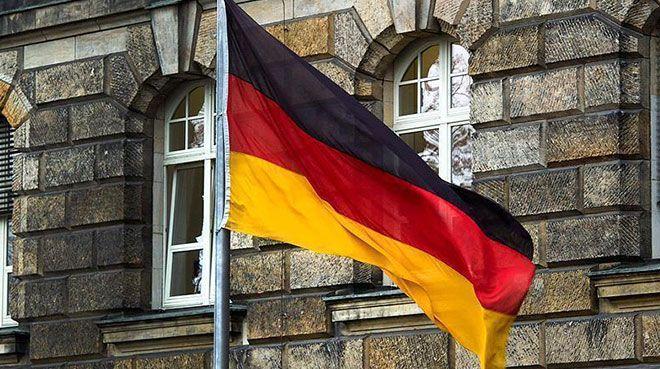 Almanya`da PMI nisanda arttı