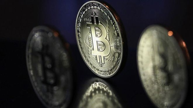 Bitcoin 9 bin dolar sınırına dayandı
