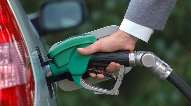 Benzin fiyatlar�na zam