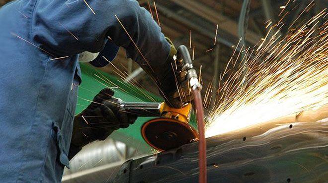 Euro Bölgesi`nde imalat sanayi düşüşünü hafifletti