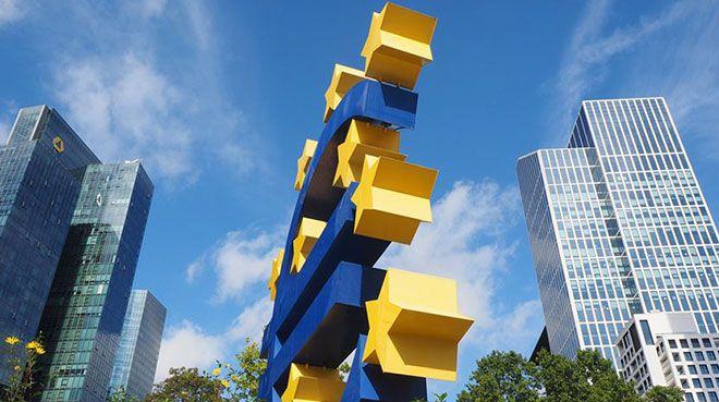 Euro Bölgesi 4. çeyrekte büyüdü