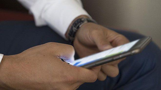 Akıllı telefonlardan da yurt dışı çıkış harç pulu alınabilecek