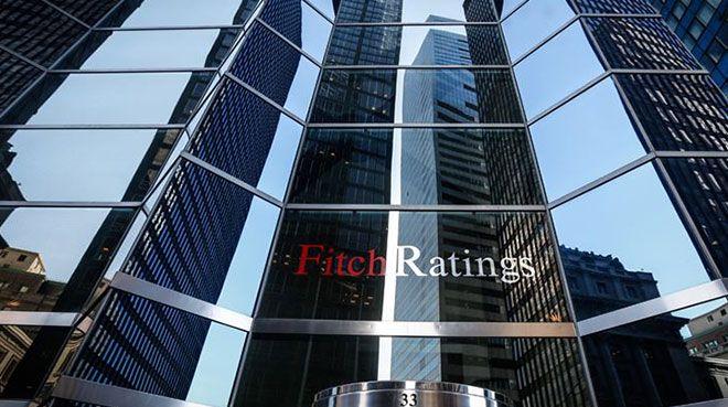 Fitch, Hong Kong`un kredi notunu düşürdü