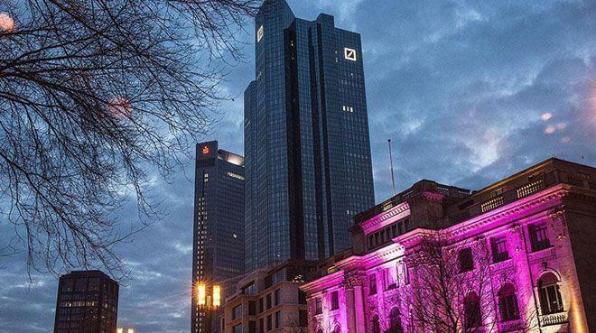 Deutsche Bank için flaş iddia! Birleşme için tarih verildi