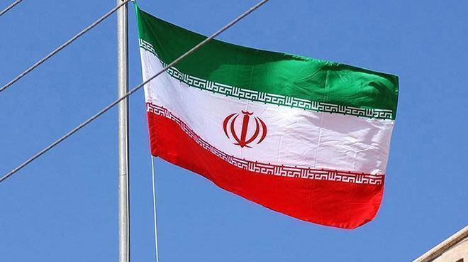 İran`da her yıl 10-20 milyar dolar sermaye dışarı gidiyor