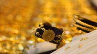 Altın düşerken, petrol yükseldi