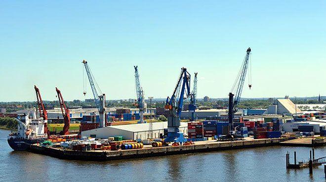 Almanya`nın dış ticaret fazlası azaldı