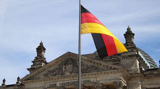 Almanya`da imalat PMI son 10 yılın en düşüğünde