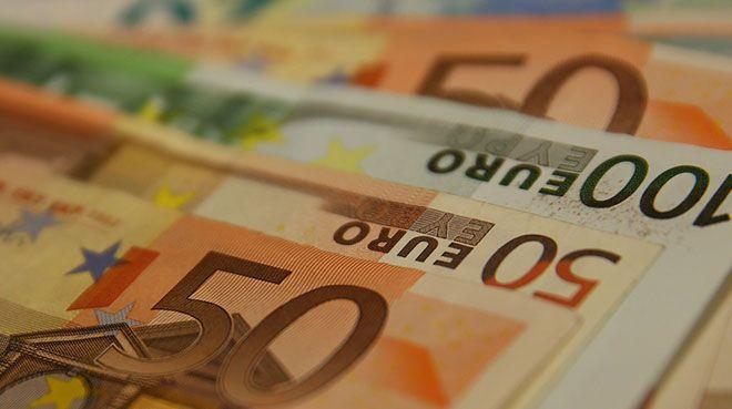 Euro Bölgesi`nde şirket kredileri arttı