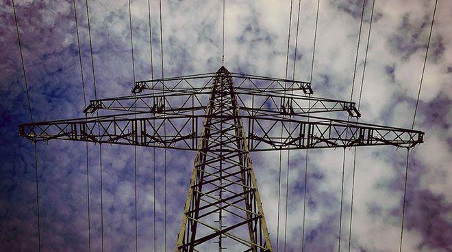 Irak ile elektrik ticareti 2020`de başlayabilir
