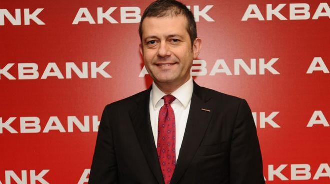 `Akbank müşterileri Türk lirasına olan güvenini gösterdi`