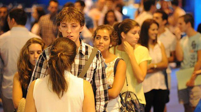 İspanya`da işsizlik 10 yıl sonra geriledi