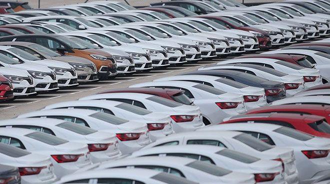 Otomobil satışları Türkiye`de gaza bastı