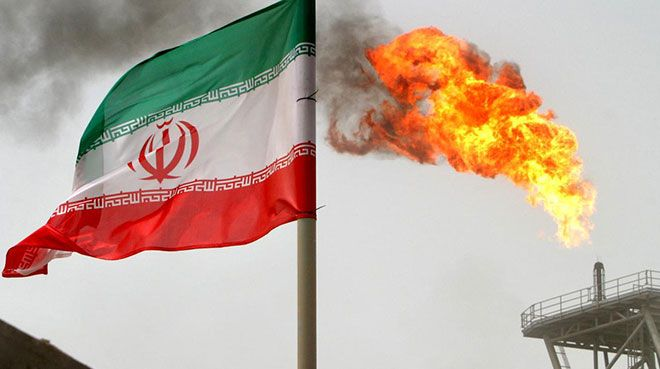 İran OPEC`in petrol üretimini kısma kararından muaf tutuldu