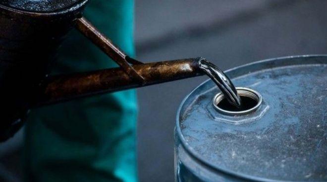 Petrolün varil fiyatı 65,90 dolar
