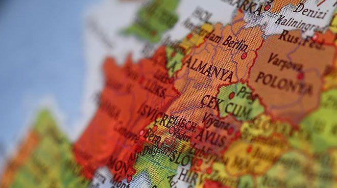 Ticaret ihtilafları Almanya`da fabrika siparişlerini vurdu