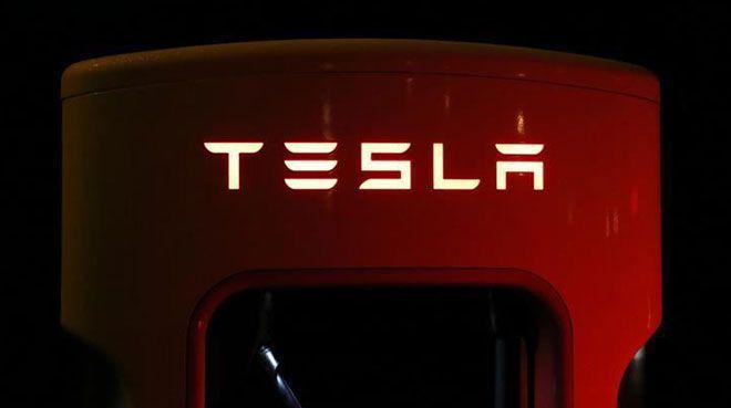 Tesla`ya şok! Durduruldu...